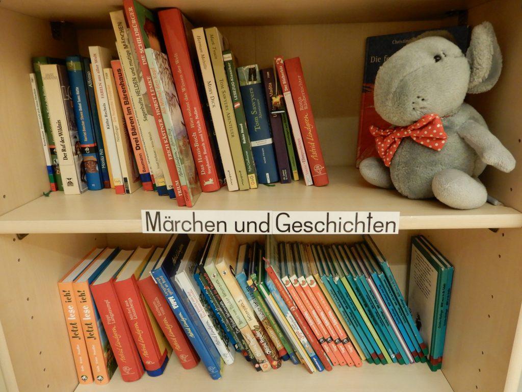 """Unsere """"Leseomis"""" unterstützen beim Lesenlernen"""
